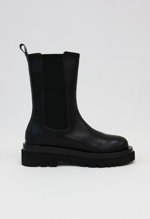 momo chelsea middle boots